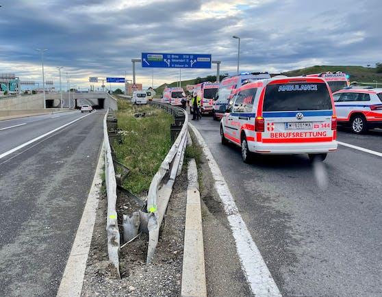 Sieben Verletzte bei Verkehrsunfall auf S2 am Sonntag um 6.30 Uhr.