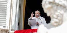 Post fängt Drohbrief mit 3 Pistolenkugeln an Papst ab