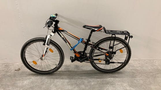 Wem gehört dieses KTM-Kinderrad?
