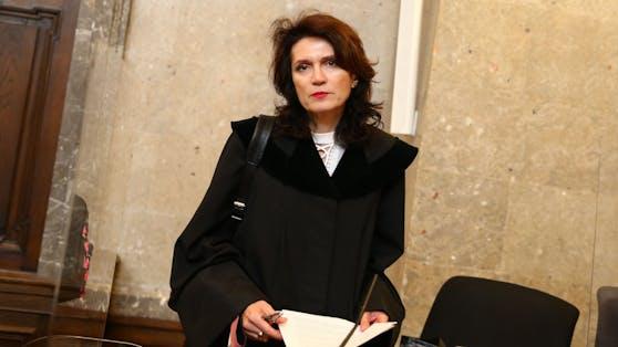 Astrid Wagner verteidigt die 49-jährige Ex-Sacher-Angestellte.