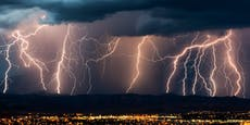 Schwere Hagel-Unwetter wüten über Nacht in Österreich