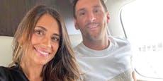 Hier sitzt Messi mit Antonela im Flieger nach Paris