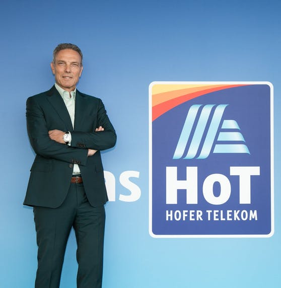 Hofer Telekom ist beliebtester Mobilfunker der Customer Experience Excellence Studie.