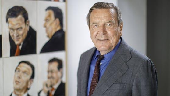 Ex-Kanzler Gerhard Schröder setzt sich für die Currywurst ein.