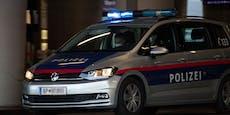 Frau wählt Notruf, dann schlägt sie auf Polizisten ein