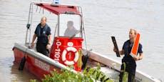 Flugzeug stürzt in Linz in Donau, Pilot rettet sich