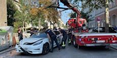 Tesla-Crash in Wien: Gemietetes Auto fing zu rauchen an