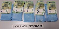 Kairo-Reisender versteckte 46.000 Euro unter Kleidung