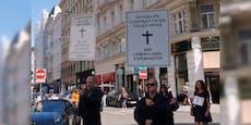"""Wiener Impfgegner zogen als """"Trauerzug"""" durch die City"""