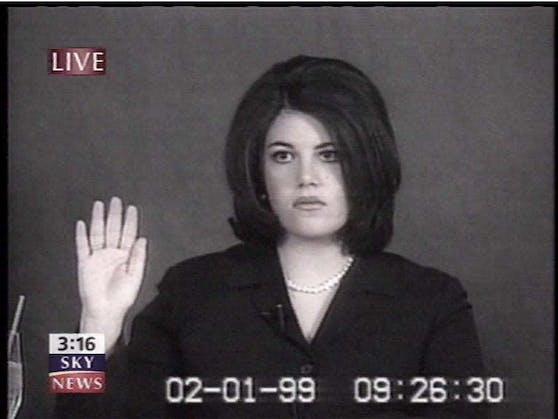Monika Lewinsky unter Eid beim Impeachment Clintons 1999