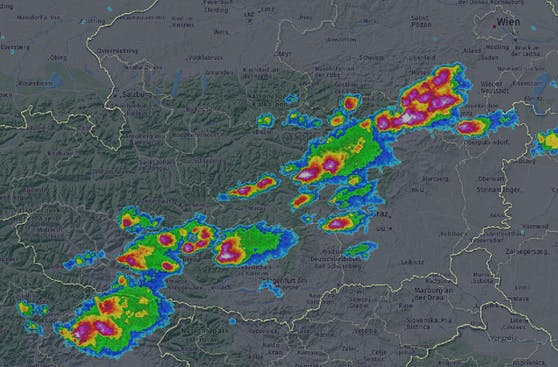 Las tormentas se mueven cada vez más hacia el este.