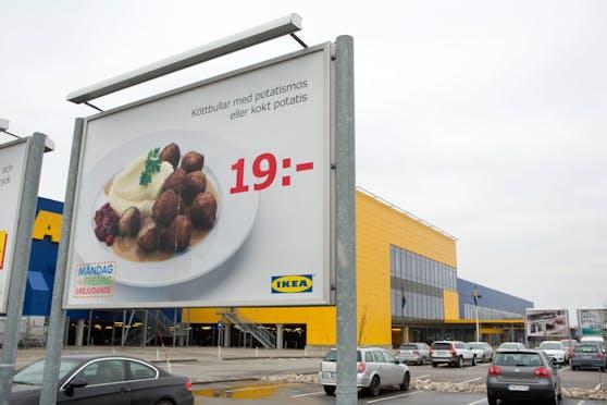 Das Ikea-Restaurant ist auch ein beliebter Ort zum Mittagessen.