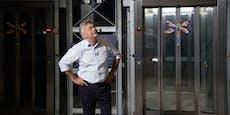 Backstage:Kogler dreht Extrarunden mit Aufzug