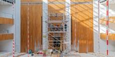 Wappenadler kehrt wieder ins Parlament nach Wien zurück