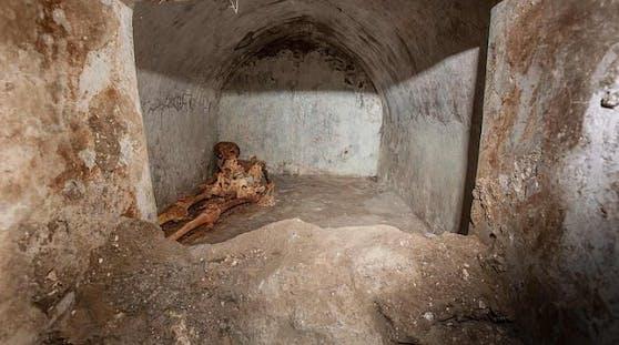 Marcus Venerius Secundio soll einst ein Sklave gewesen sein, der nach seiner Freilassung zu Reichtum und damit zu gesellschaftlichem Rang gelangte.