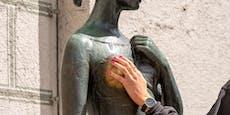 Zoff um Julia-Statue in München
