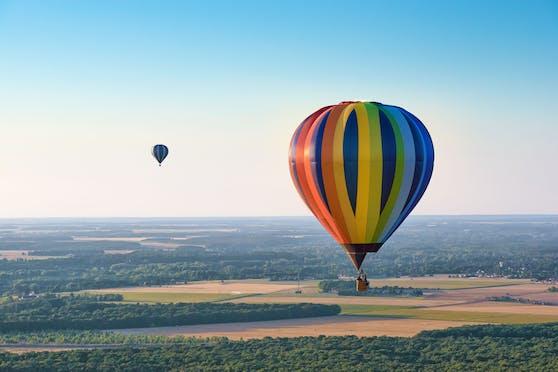 Der Heißluftballon verlor plötzlich an Auftrieb. Symbolbild