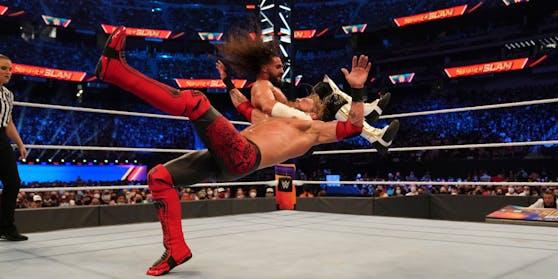 Edge vs. Seth Rollins