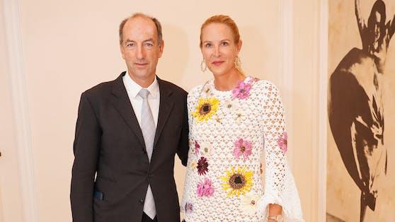 """""""Heute""""-Herausgeberin Eva Dichand mit ihrem Mann Christoph ließ sich die Austellung als bekennende Kunstliebhaberin nicht entgehen."""