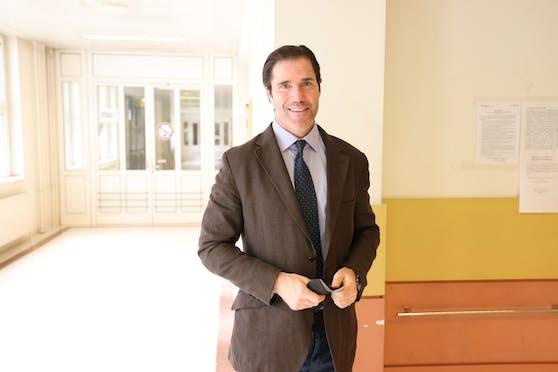 Star-Jurist Tassilo Wallentin verteidigte die Angeklagten.