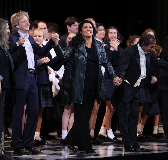 Premiere der Oper Tosca im Großen Festspielhaus Salzburg: v.l. Regisseur Michael Sturminger, Anna Netrebko und Dirigent Marco Armiliato