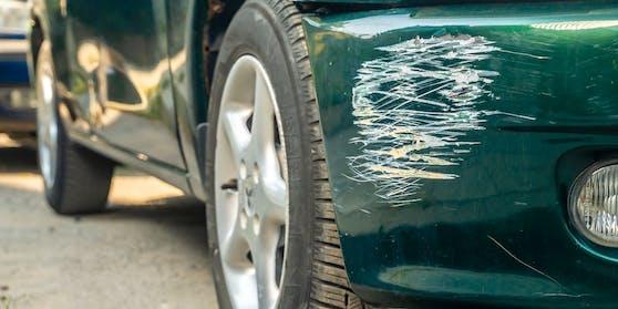 Drei Buben sollen in Graz 52 Autos zerkratzt haben.