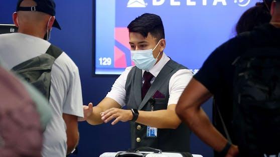 Delta Airlines stellt ihren Ungeimpften mögliche Behandlungskosten in Rechnung.