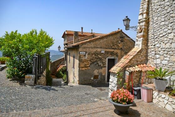 Maenza in Italien könnte deine neue Heimat werden - um nur 1 Euro.