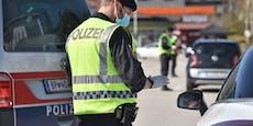 Lenker driftet in Kreisverkehr, flieht vor Polizei