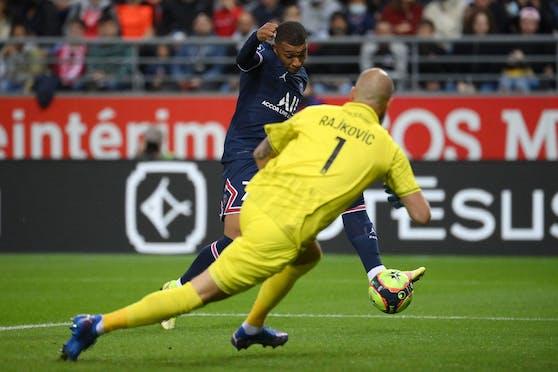 Kylian Mbappe schießt PSG zum Sieg.
