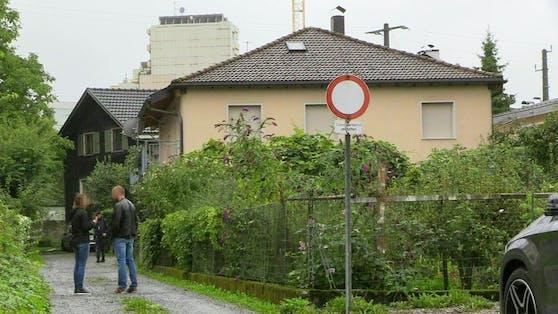 Hier hat ein Vorarlberger Polizist am Sonntag einen Messer-Mann erschossen.