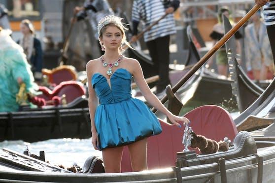 Leni Klum reist auf einer Gondel zum Markusplatz, der am sich am Sonntag in eine Modemärchen von Dolce & Gabbana verwandelte.