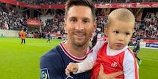 Messi-Gegner brachte Kind für dieses Foto auf den Platz