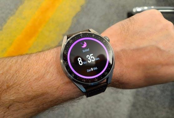 Die Huawei erfasst die Schlafzeit, aber auch viele weitere Details.