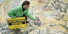 Großes 3D-Bild warnt am Stephansplatz vor Artensterben