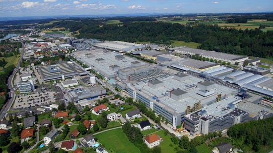 BMW Steyr meldet ab 1. September Kurzarbeit an.
