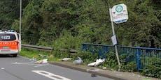 Lkw fährt in Bushaltestelle – Mutter und Baby tot