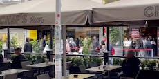 Dutzende Wiener stehen für gratis Kebab Schlange