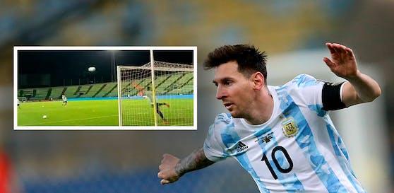 Lionel Messi zimmert Freistöße im Training ins Netz.