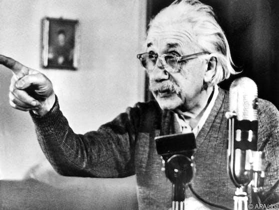Mit seiner Allgemeinen und Speziellen Relativitätstheorie revolutionierte Albert Einstein die Physikwelt.