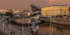 """Moskauer """"Kacke""""-Skulptur erhitzt die Gemüter"""