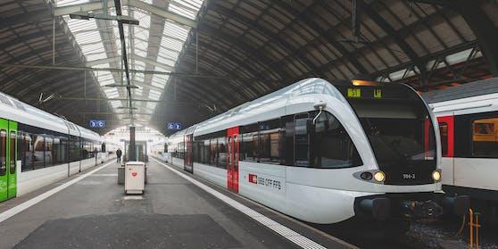Eklat im Zug in der Schweiz, jetzt wehrt sie eine blinde Frau.