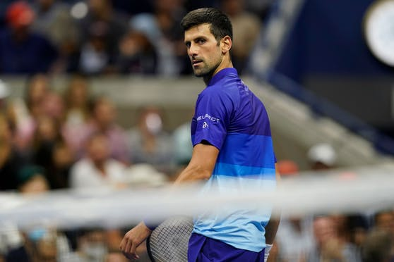 Novak Djokovic legt sich mit einem Zuschauer an.