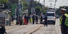 Schwerer Motorrad-Crash in Wien – Straße gesperrt