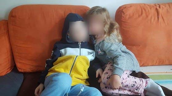 Samuel mit seiner Schwester Magdalena.