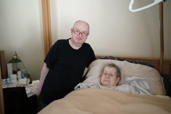 Erich Kopecky (56) kämpfte mit Hausverwaltung, damit seine Mutter Gertrude (81) in ihrer Wohnung nicht mehr frieren muss.