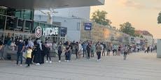 Teststraßen in Wien zum Schulstart komplett überfüllt