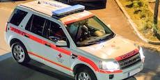 Pfosten durchschlägt Autoscheibe, Lenkerin (17) tot