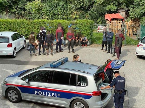 Polizei griff Flüchtlinge auf (Symbolbild von Aufgriff vor 10 Tagen in Biedermannsdorf)