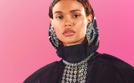 Außergewöhnlich! Die neue H&M Studio Kollektion setzt vor allem auf individuelle Styling-Wünsche und lässt der eigenen Kreativität freien Lauf.